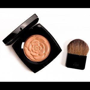 Chanel Limited Edition illuminating powder